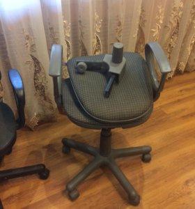 Продам два стула для компьютерного стола
