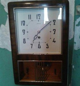 Часы настенные Янтарь механические