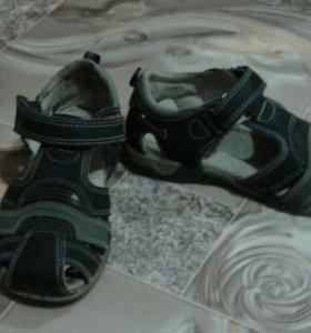 Обувь детская на мальчика и девочку