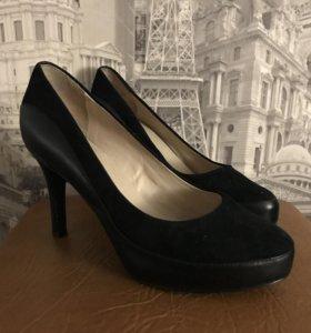 Туфли чёрные rockpoort