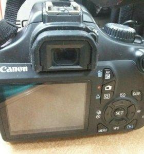 Фотокамера Canon EOS 1100D зеркальная