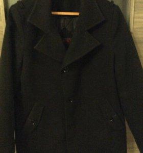 Пальто муж. б/у на 50-52 размер