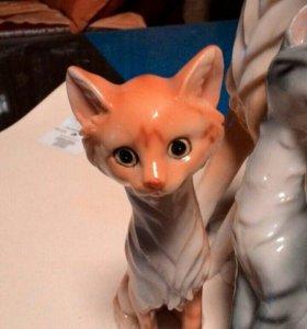Фарфоровые кошки