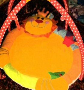 Плюшевый коврик для малыша