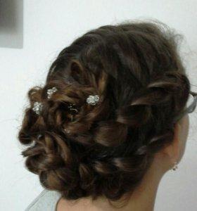 Плетение кос, укладка волос плойкой-волны.