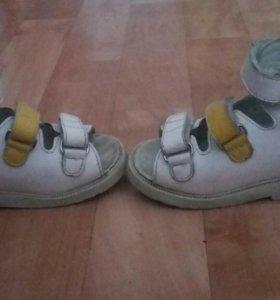 Ортопедические сандали для варусной стопы