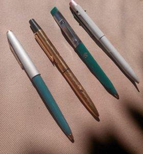 Шариковые ручки.