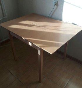 столик обеденный