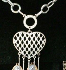 Кулон в виде сердца на длинной цепочке