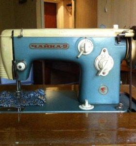 Швейная машина Чайка-2 с тумбой
