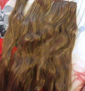 Волосы на заколках, ещё есть чёрного цвета