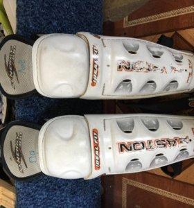 Хоккейные щитки для детей от 8-10л