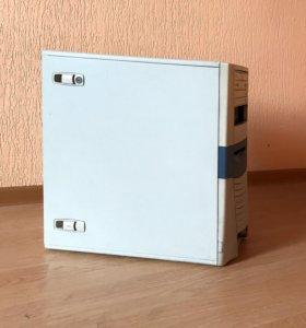Одно ядро, 1,5Gb памяти, 60Gb HDD