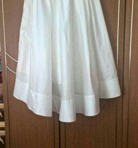 Красивая вечерняя юбка со шлейфом.