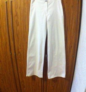 Брюки джинсовые белые