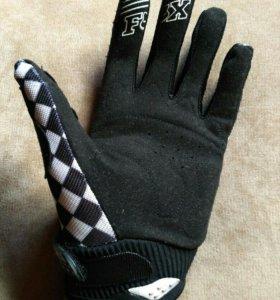 Перчатки FOX новые, размер L