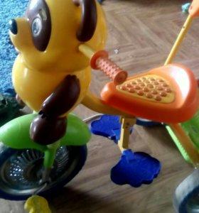 трёхколёсный детский велосипед