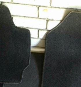 Продам новые ковры на тайота RAV 4