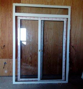 Дверь из пластика.