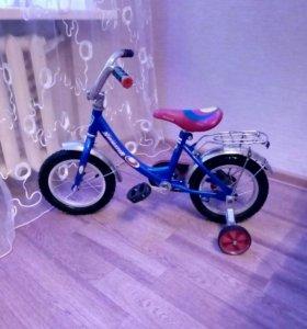 Продам детский 4-ех колесный велосипед