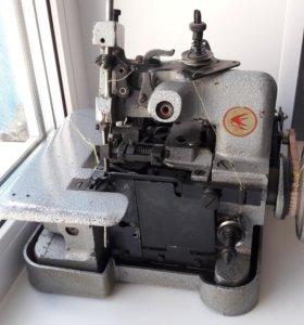 Оверлок производственный с бытовым мотором