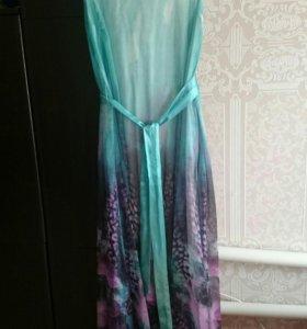Легкое, красивое платье в пол