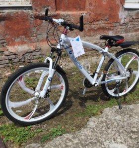 Велосипед на литых Бмв белый