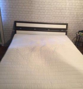 Кровать с Новым матрасом