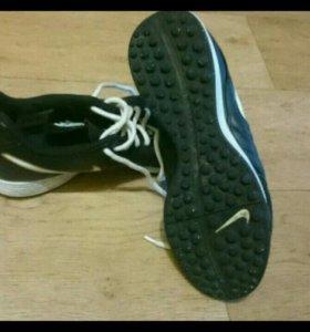 Бутсы для зала Nike Tempo