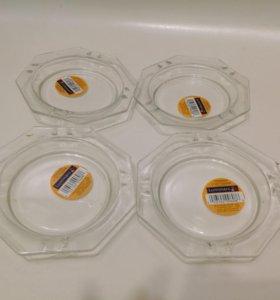 Новые 4 пепельницы стекло