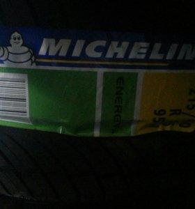 Шины 215/60/16 Michelin