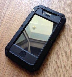 Влагозащитный чехол на iPhone 4