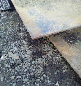 Металический лист 1,5*6,толщина 10мм