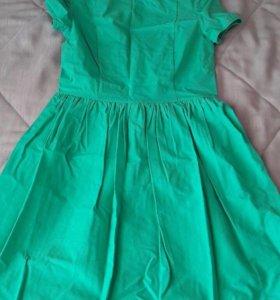 Платье летнее с вырезом на спине
