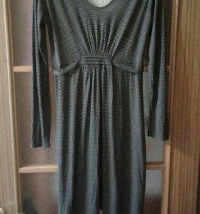Платье трикотажное р.42-44-46