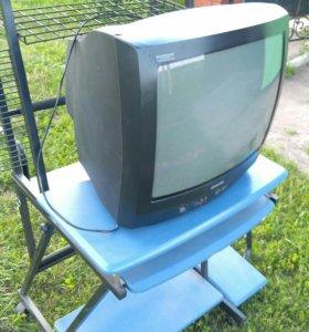 Телевизор Philips, рабочий, цветной