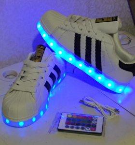 Светящиеся кроссовки Adidas Superstar