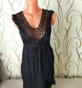 Платье *
