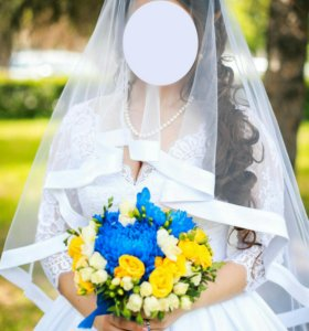 Свадебное платье, фата и подъюбник