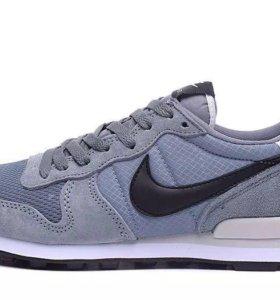 Кроссовки Nike, новые