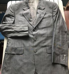Итальянский мужской костюм L
