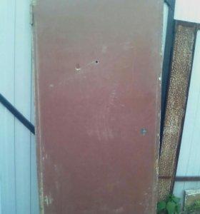 Продам дверь железную с рамкой