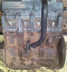 Продам двигатель и КПП от ваз