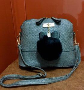 Новая сумка с меховым помпоном