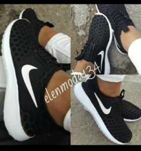 Новые кроссовки!!