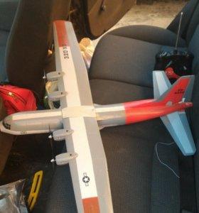 Радиоуправляемый самолет AC-130 Hercules.