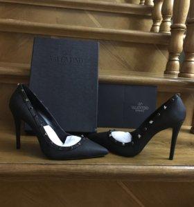 Туфли с шипами Valentino