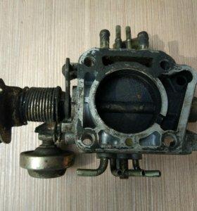 Дроссельная заслонка Mazda 626 (F285-13-640A)