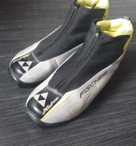 Лыжные ботинки 28