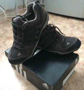 Кроссовки новые оригинал Adidas